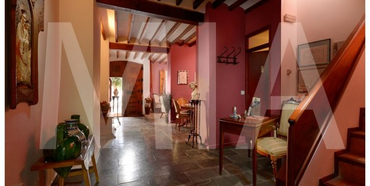 Exciting Opportunity to acquire a successful, Boutique Hotel surrounded by Idyllic Rural views, Alicante
