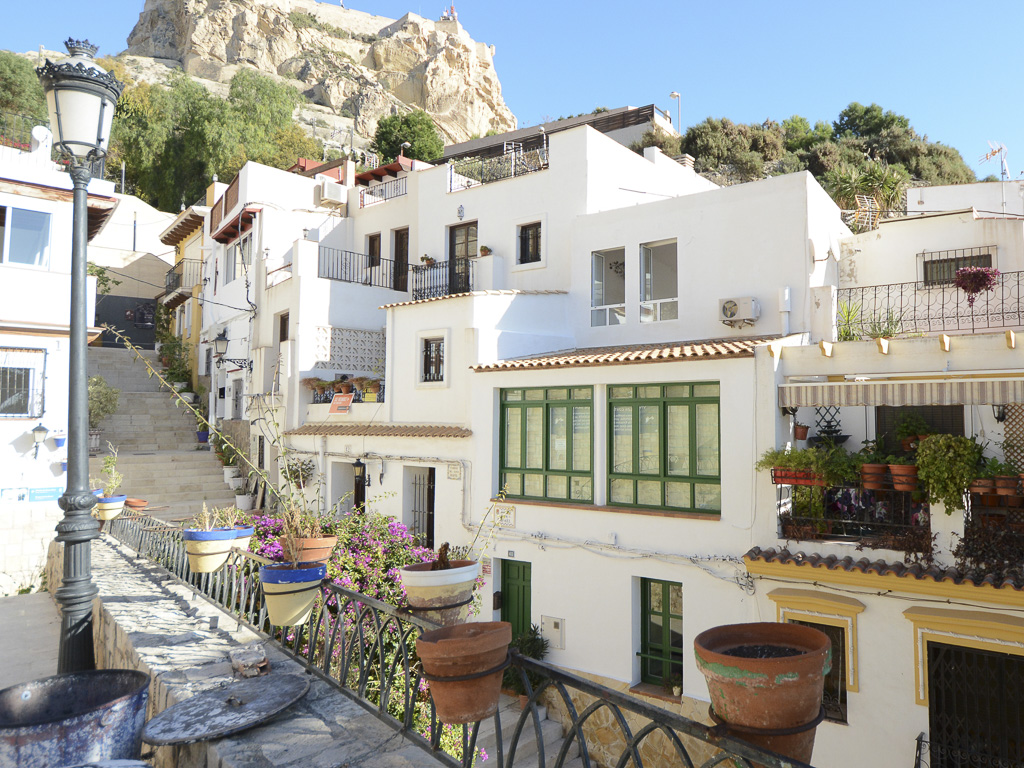 Bohemian Detached town house in the heart of Alicante Old Town