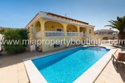 Beautiful 4 Bedroom villa with pool, Busot