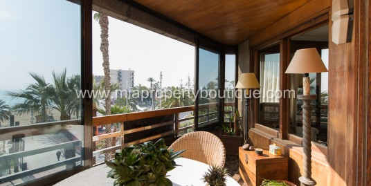 City Flat with Panoramic Sea & Castle Views!