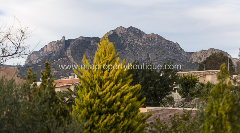 villa for sale in Busot Costa Blanca
