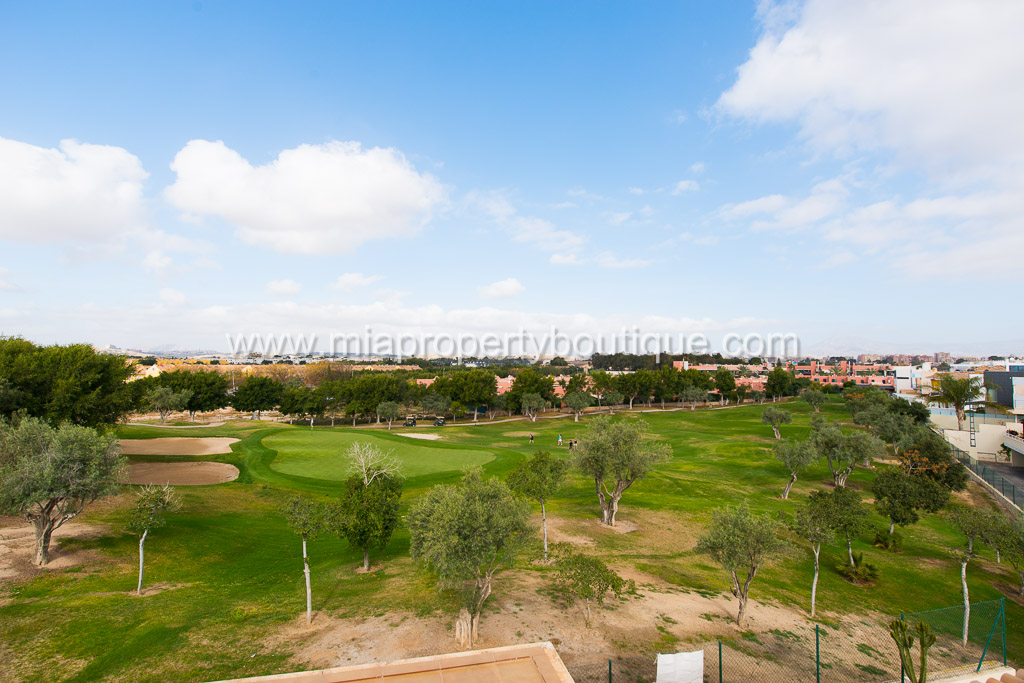 Modern and Bright Spacious Chalet at El Golf Alicante