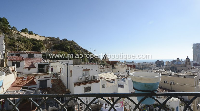 Bohemian Detached town house in the heart of Alicante Old