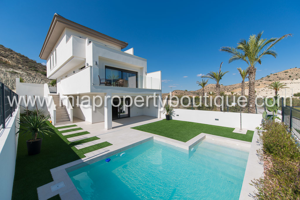 Font Del LlopGolf Villa Birdie Semi Detached