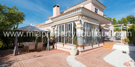 Cozy semi-detached villa in Bonalba Golf Resort