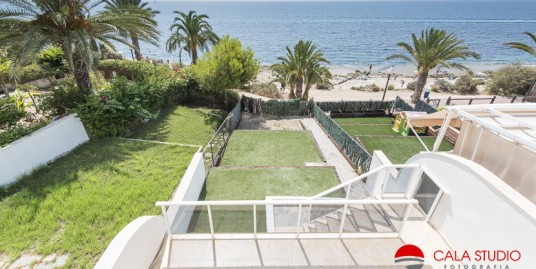 Stunning beach views from beautiful sea front bungalow