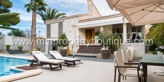 A Contemporary Villa,  Near  El Golf – Alicante