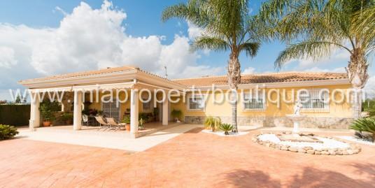 Beautiful Chalet in Exclusive Neighbourhood of La Perleta, Elche