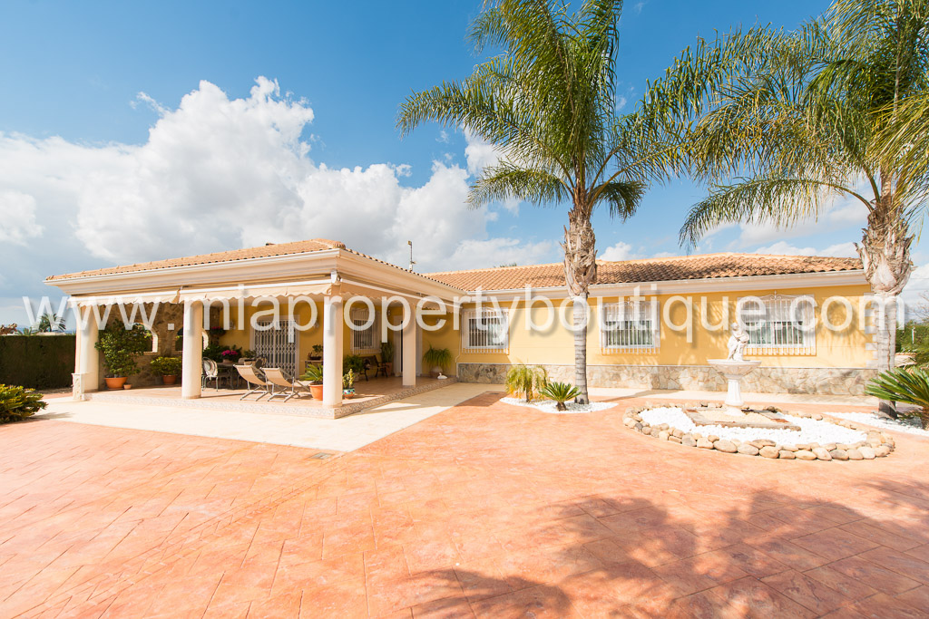 Beautiful Chalet in Exclusive Neighbourhood of La Perleta, Elche