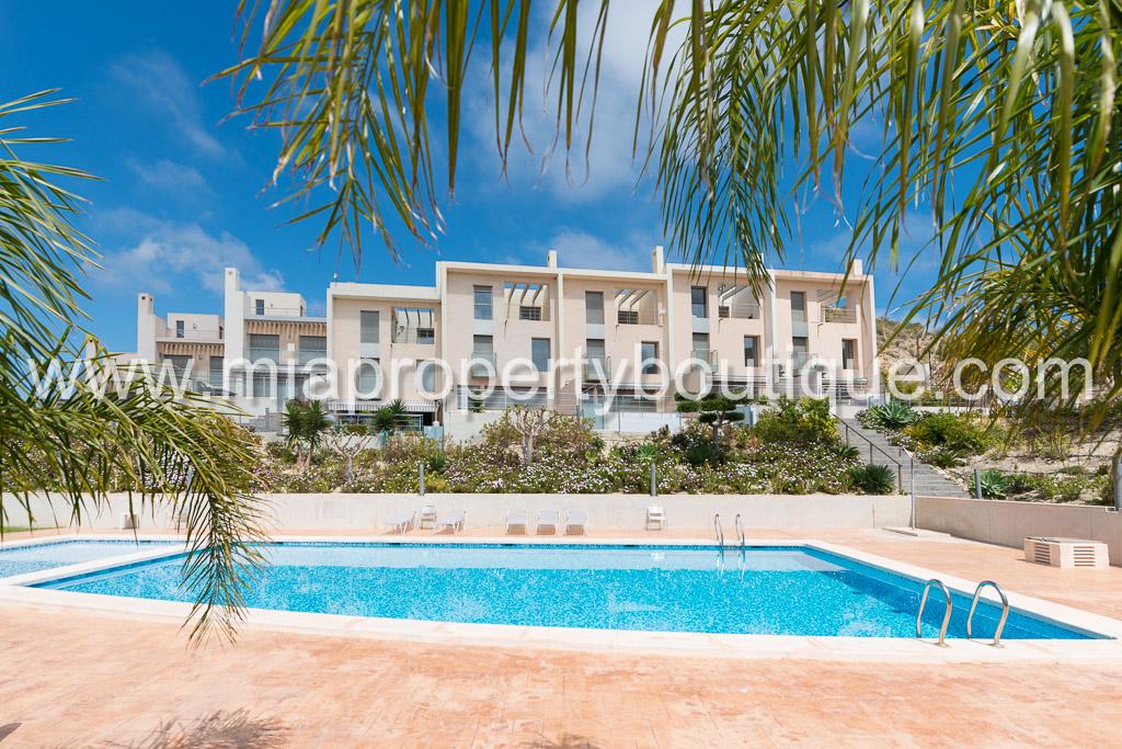 Your Beach Front Terrace, Venta Lanuza Campello