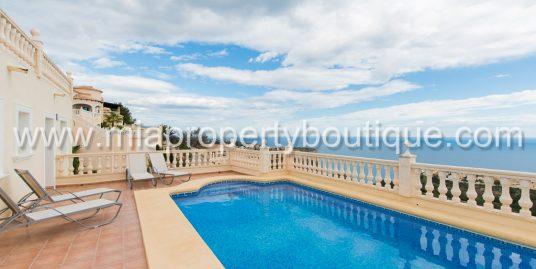 Classic Spanish Villa with Gorgeous Mediterranean Views, Moraira