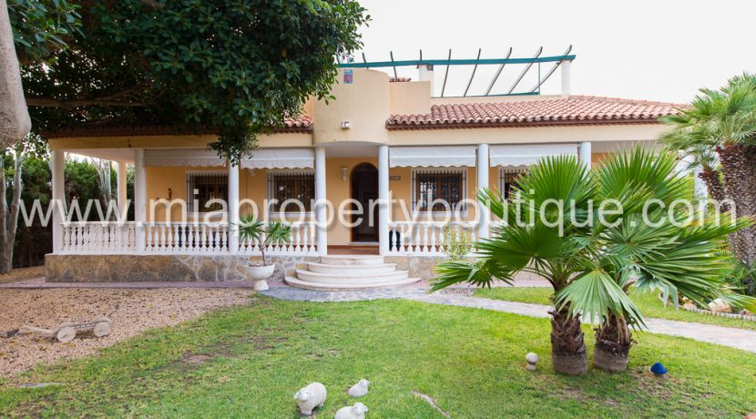 villamontes property for sale