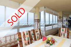 A Whopping Sea Front Apartment, Playa San Juan