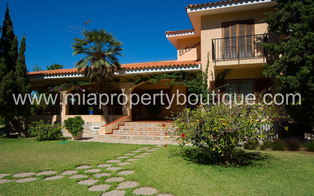Beautiful Villa in exclusive neighbourhood, Benimagrell