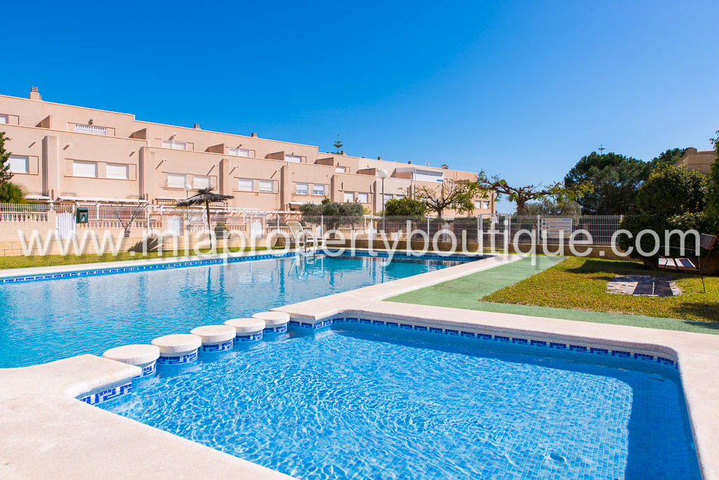 Townhouse with Sea Views!, Campello