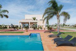 elche villa for rent