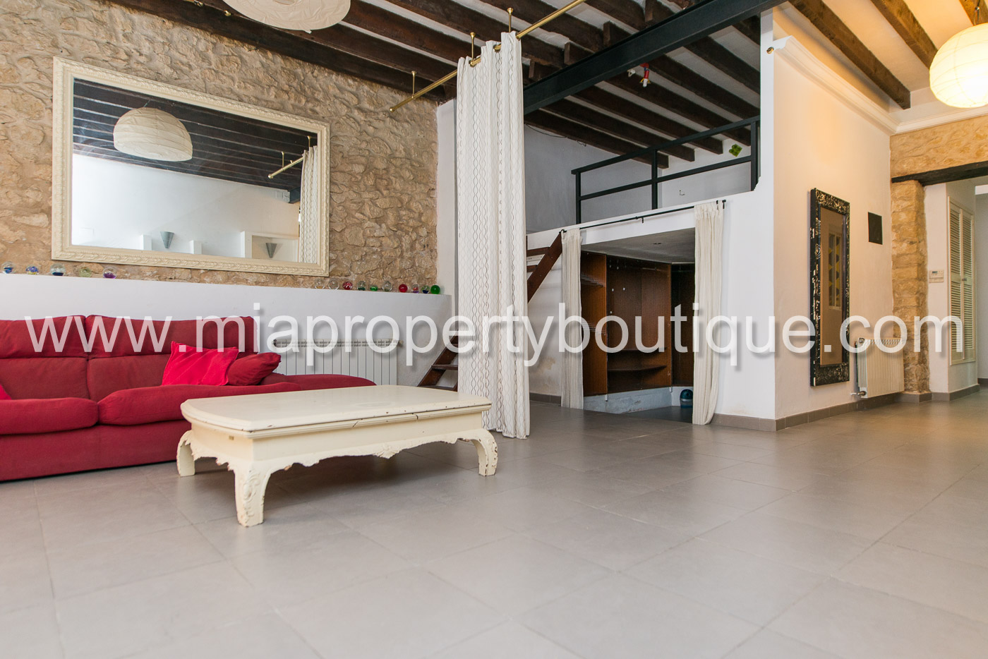 Vintage flat in the center of Alicante