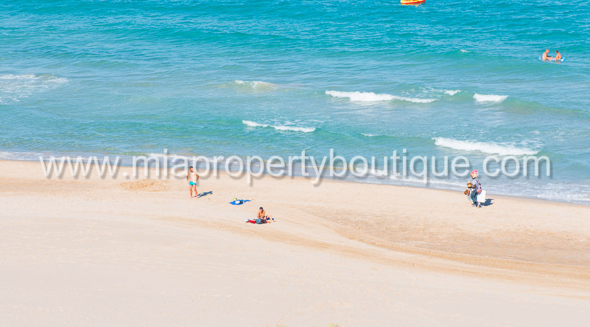 se vende apartamento playa muchavista costa blanca