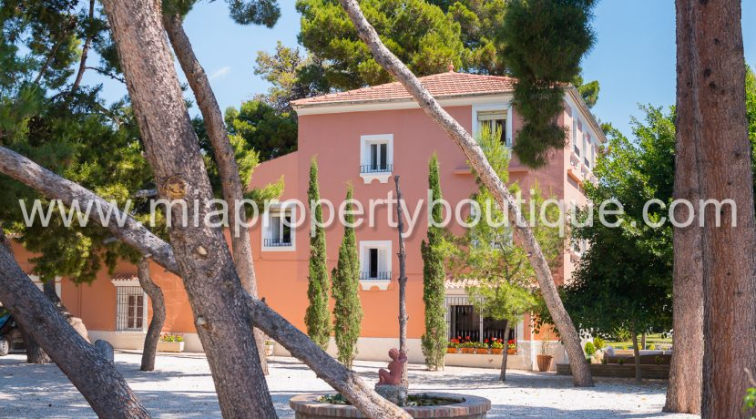 aliante mansion villa for sale
