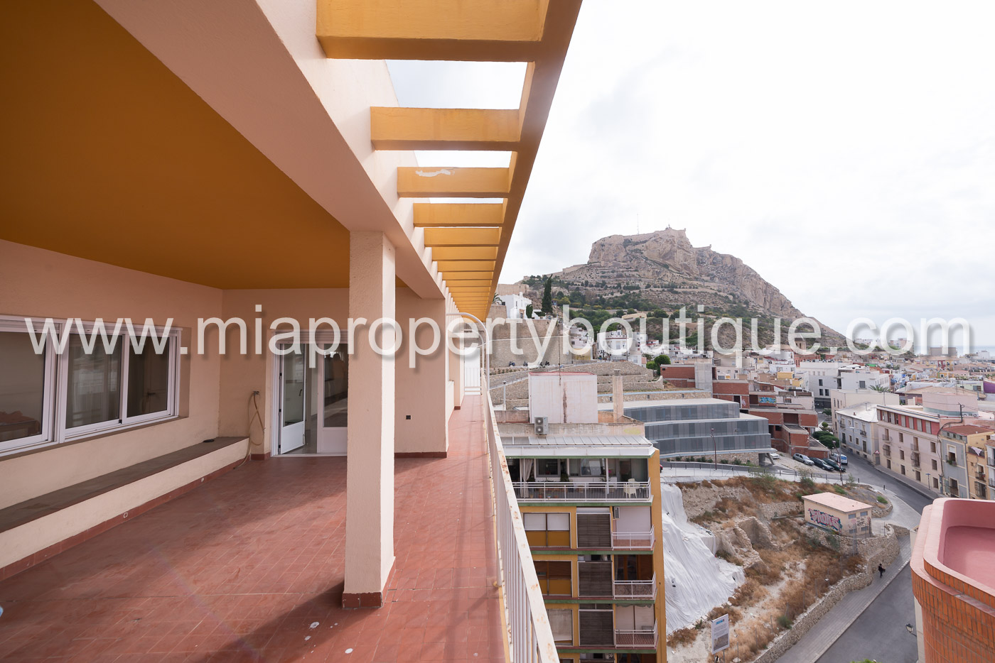 Unbeatable penthouse apartment in Alicante