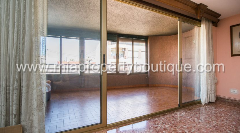 alicante city center apartment with balcony