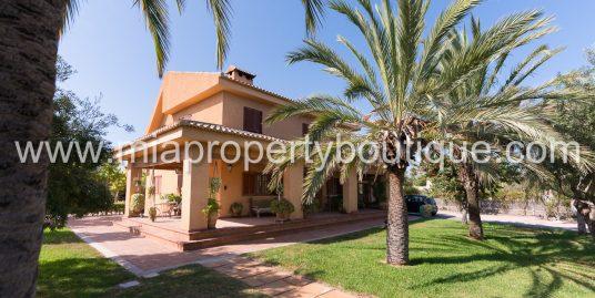 Beautiful family villa nestled in tropical gardens, Los Girasoles, Alicante