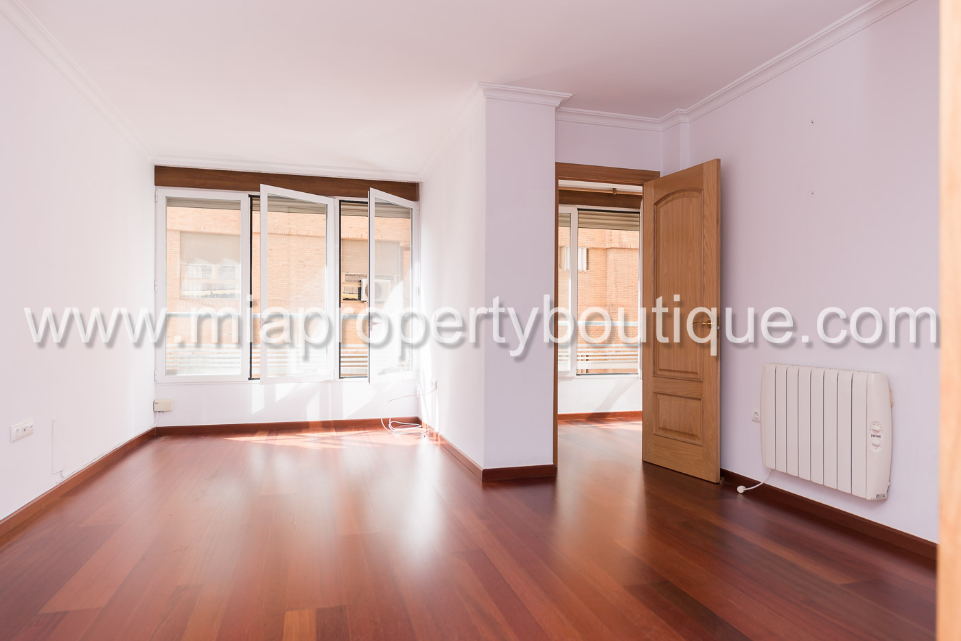 For Rent Spacious Central Apartment in Alicante City Centre