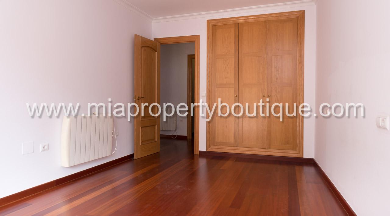 Construction Hangar Bois Prix for rent spacious central apartment in alicante city centre