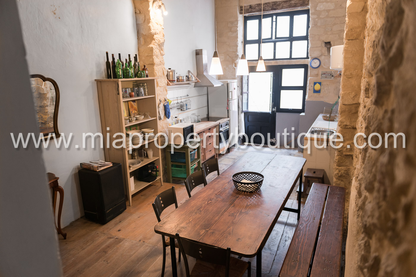 Characterful Townhouse in Historic Old Town Alicante