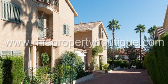 Glorious Semi Detached Villa in Exclusive Cabo Huertas