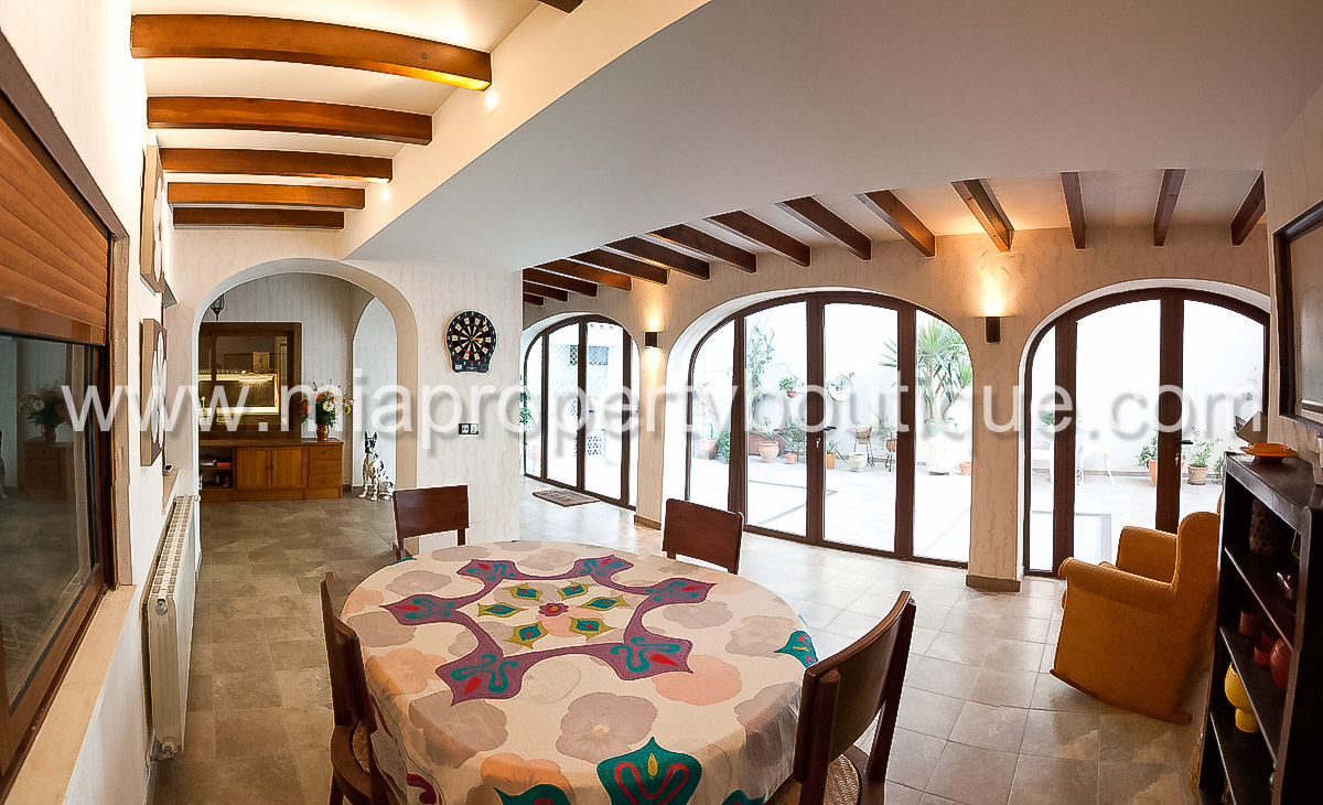 Grand Apartment near Plaza de Luceros, Alicante City Center