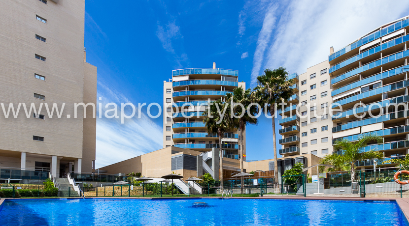 Penthouse in El Campello with Seaviews…