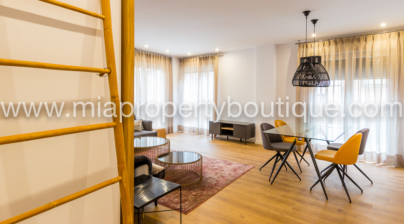 Chick Apartment for Rent in the Historical Town of Alicante.