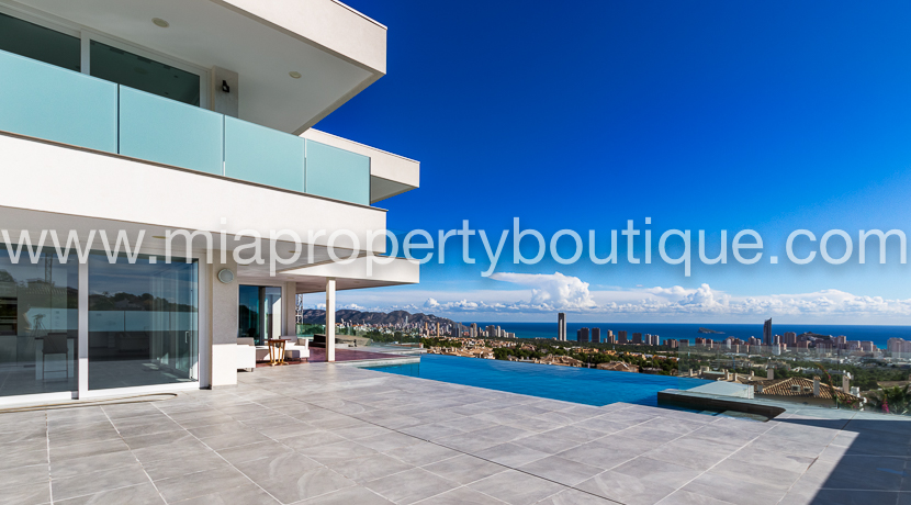 Exquisite Modern Villa in Finestrat