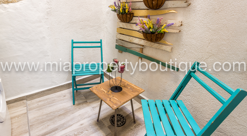 A Cozy Apartment with Patio, Alicante Center