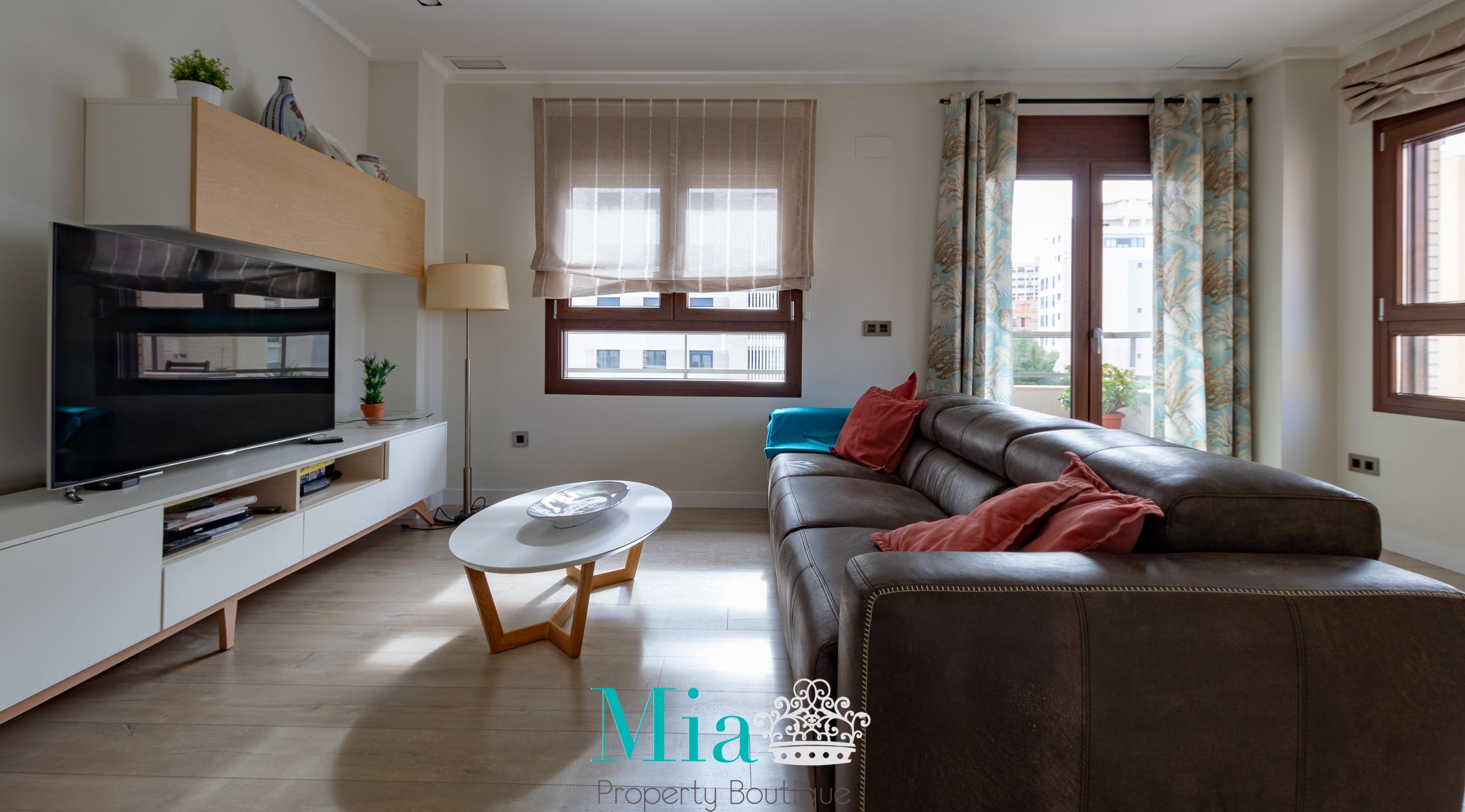 Location Location! Gorgeous Apartment, Cabo Huertas