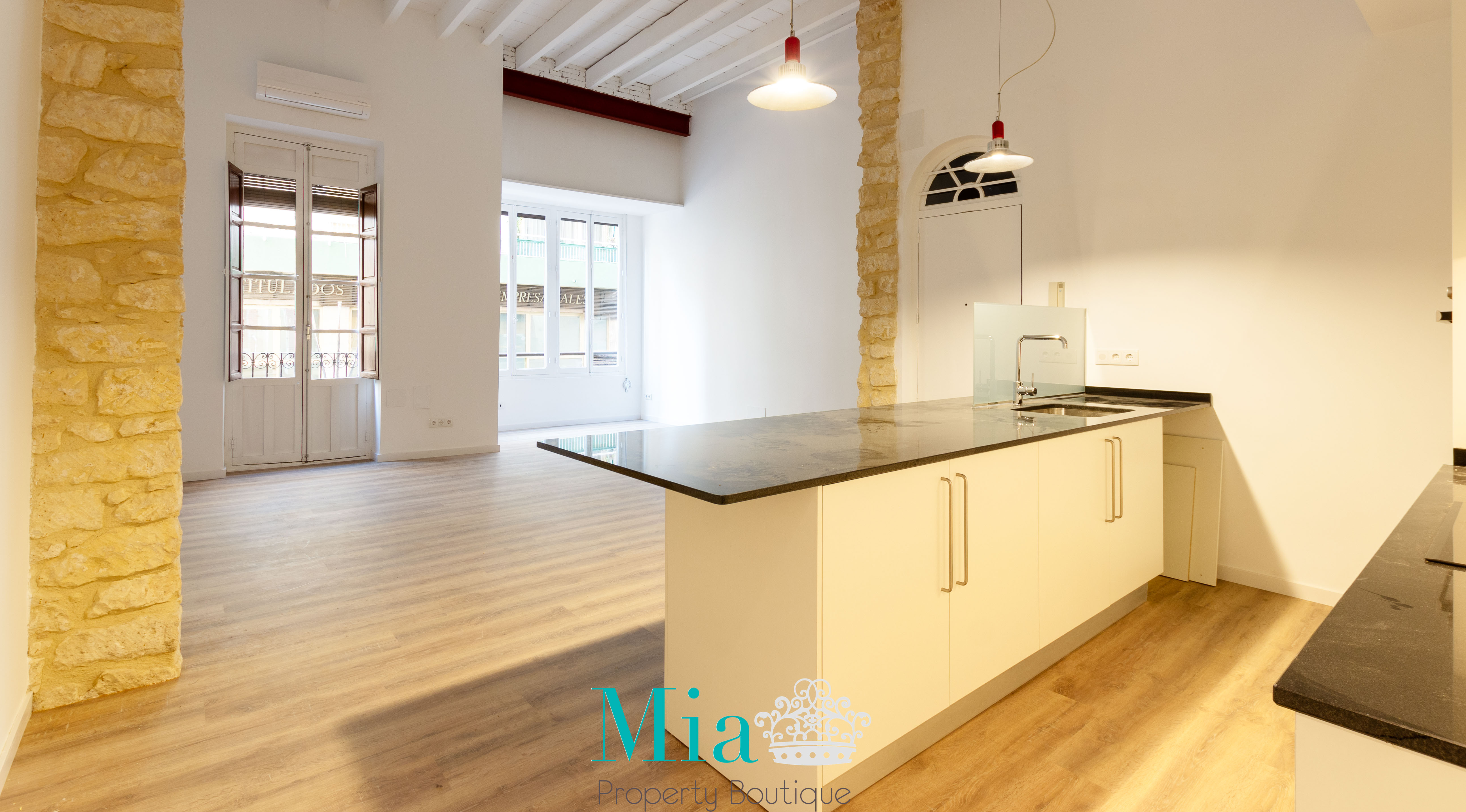 Vintage Apartment in Historic Town, Alicante City