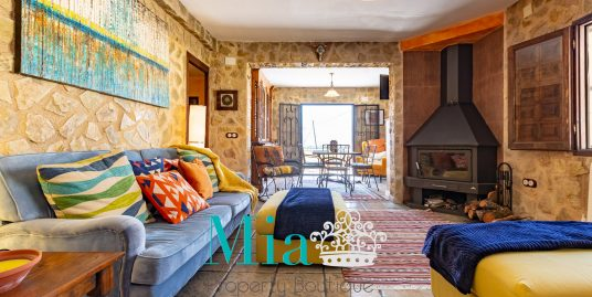 Stunning Spanish Cottage Surrounded by Glorious Scenery