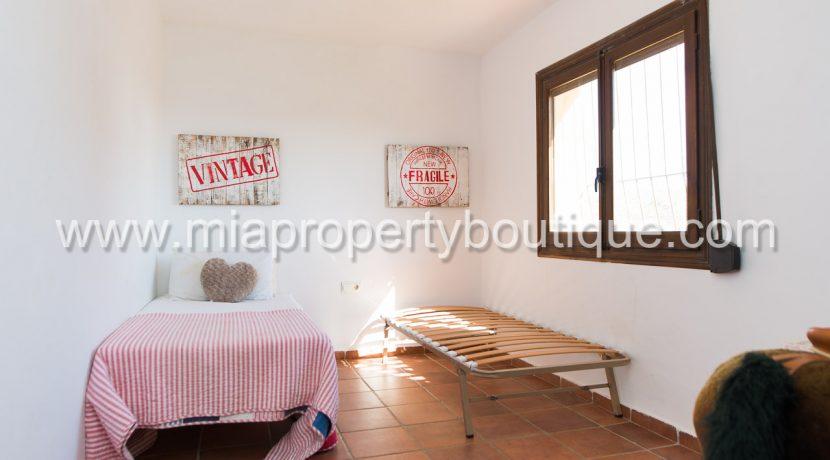 busot villa for sale mountain views-10