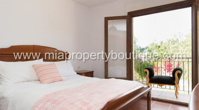 busot villa for sale mountain views-12