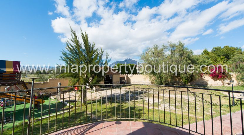 busot villa for sale mountain views-27