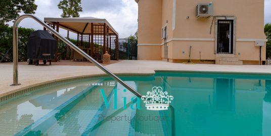 Villa with Idyllic Sea and Mountain Views, Bonalba Golf