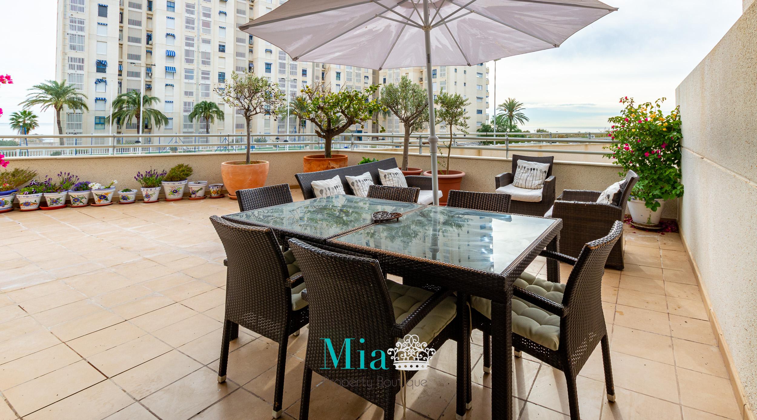 Spacious Terrace with Sea Views, Campello