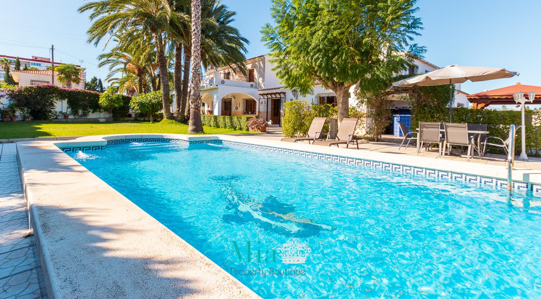 !Una Villa encantadora con alma propia en Benimagrell, que podria considerar suya!