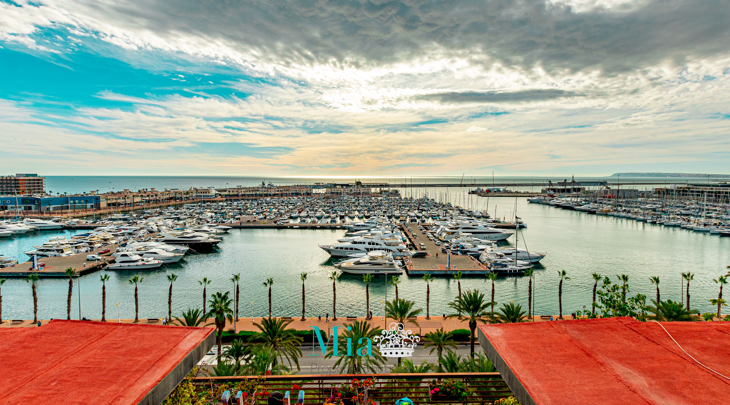 Spectacular Sea Views! Top Floor Apartment, Alicante City