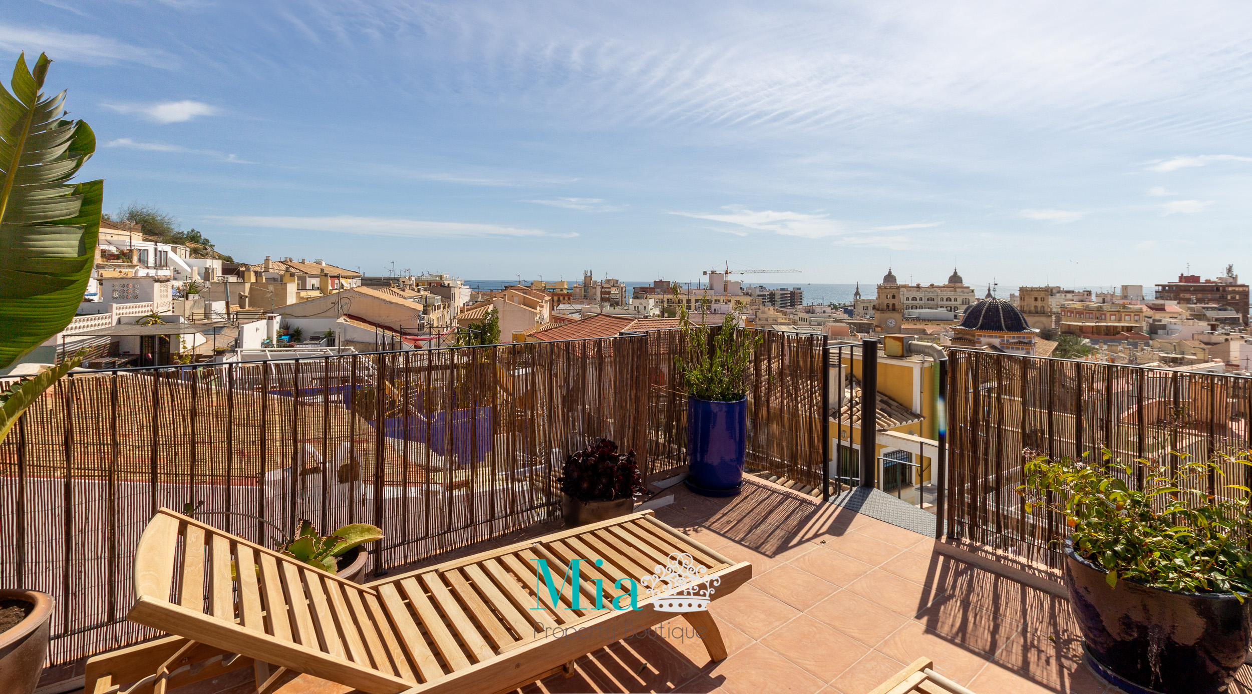 Idyllic House with Roof Terrace , Old Town Alicante