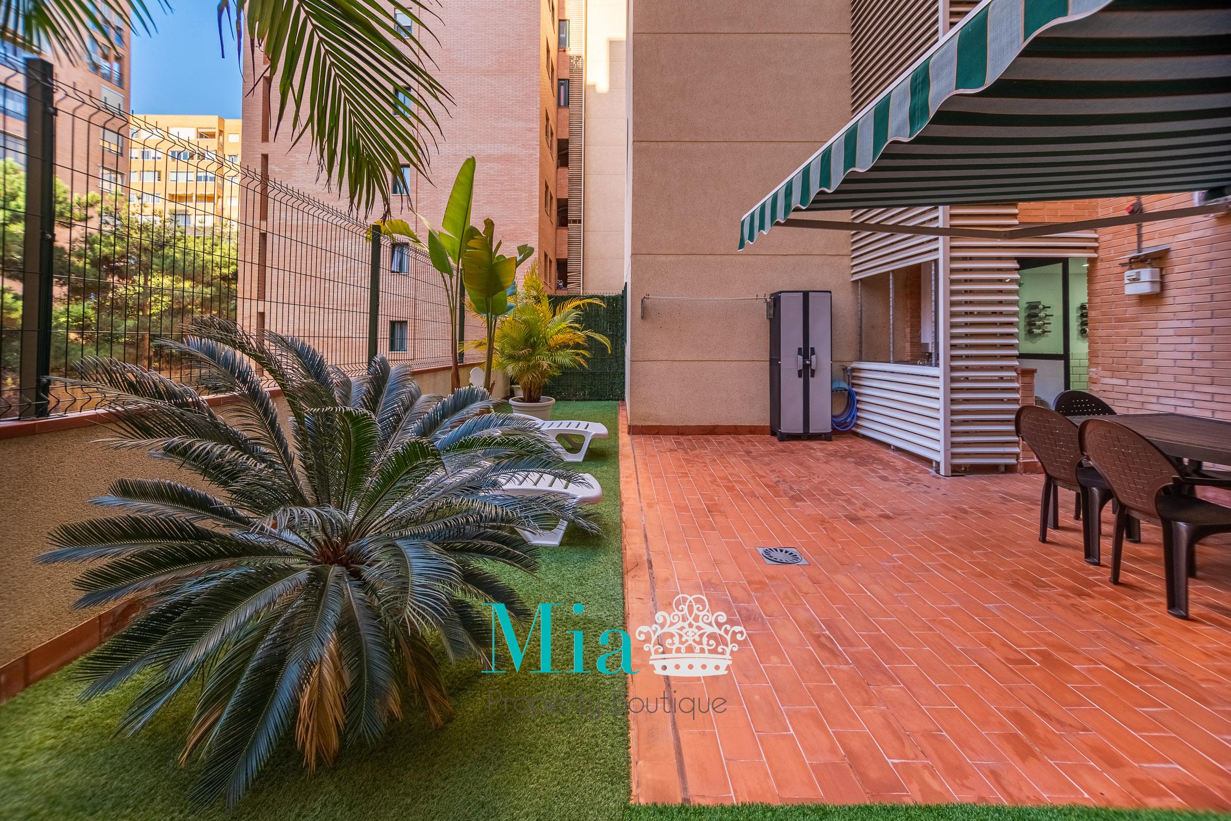 Modern Flat with Great Terrace! San Gabriel