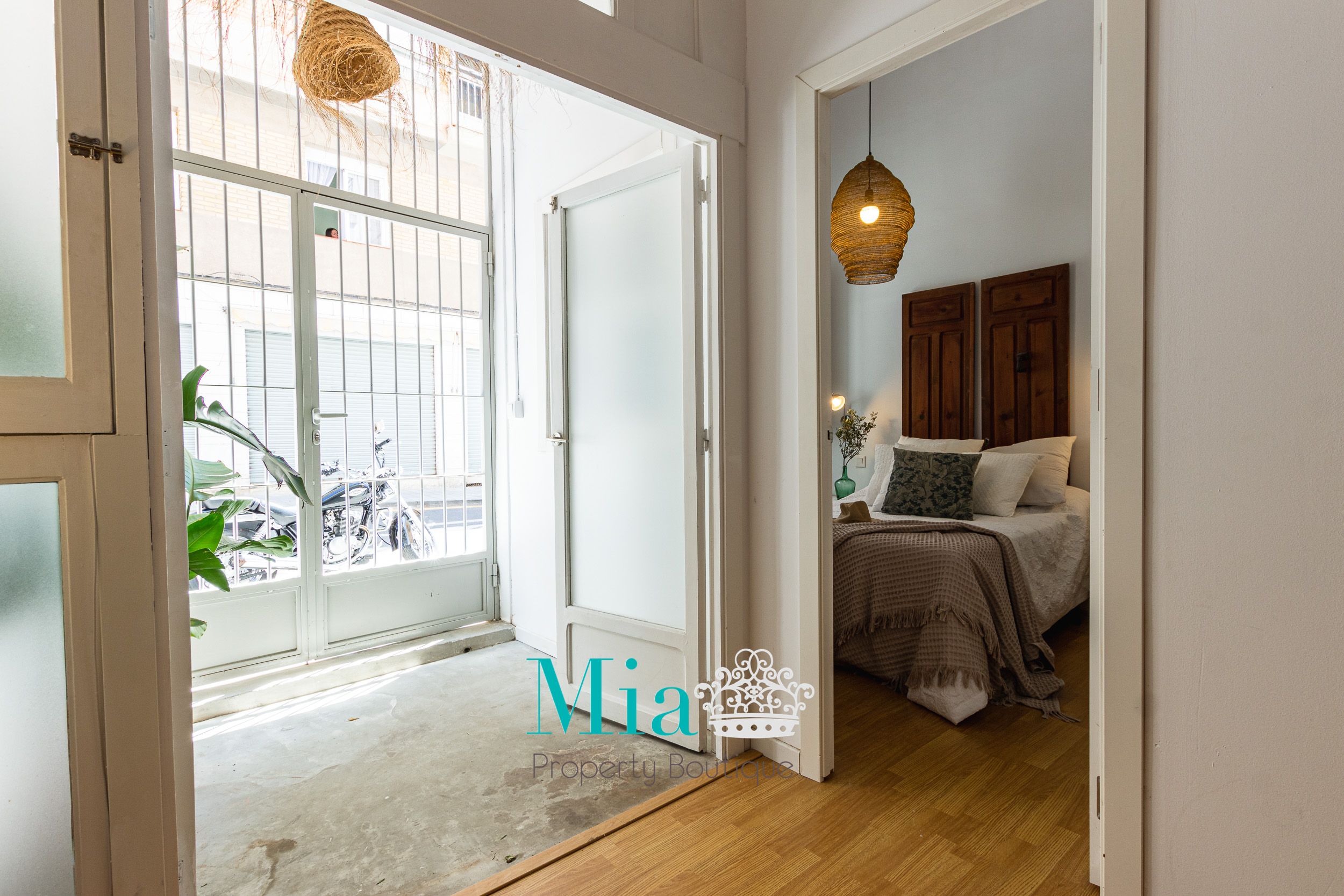 Stylish and Charming Apartment for Sale!