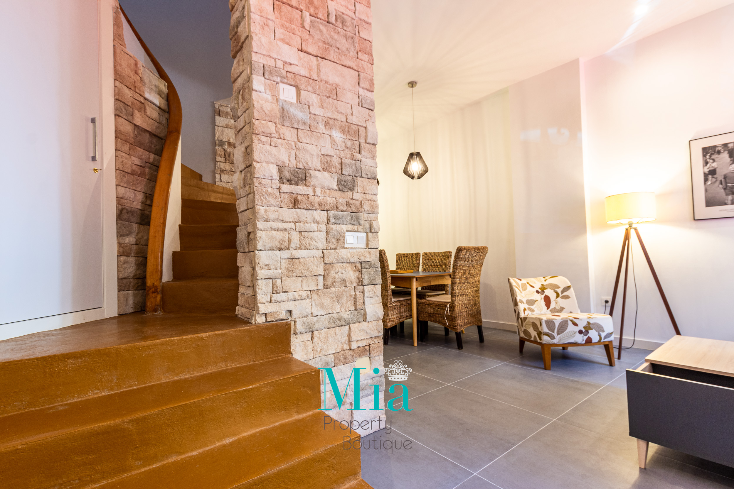 Airbnb Charming House -Alicante City
